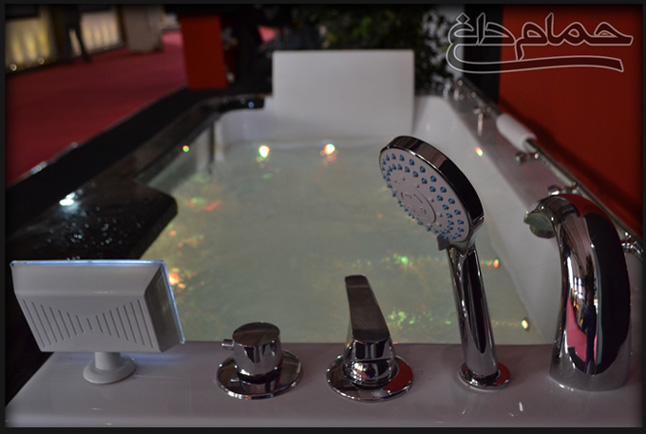 jacuzzi-in-showroom